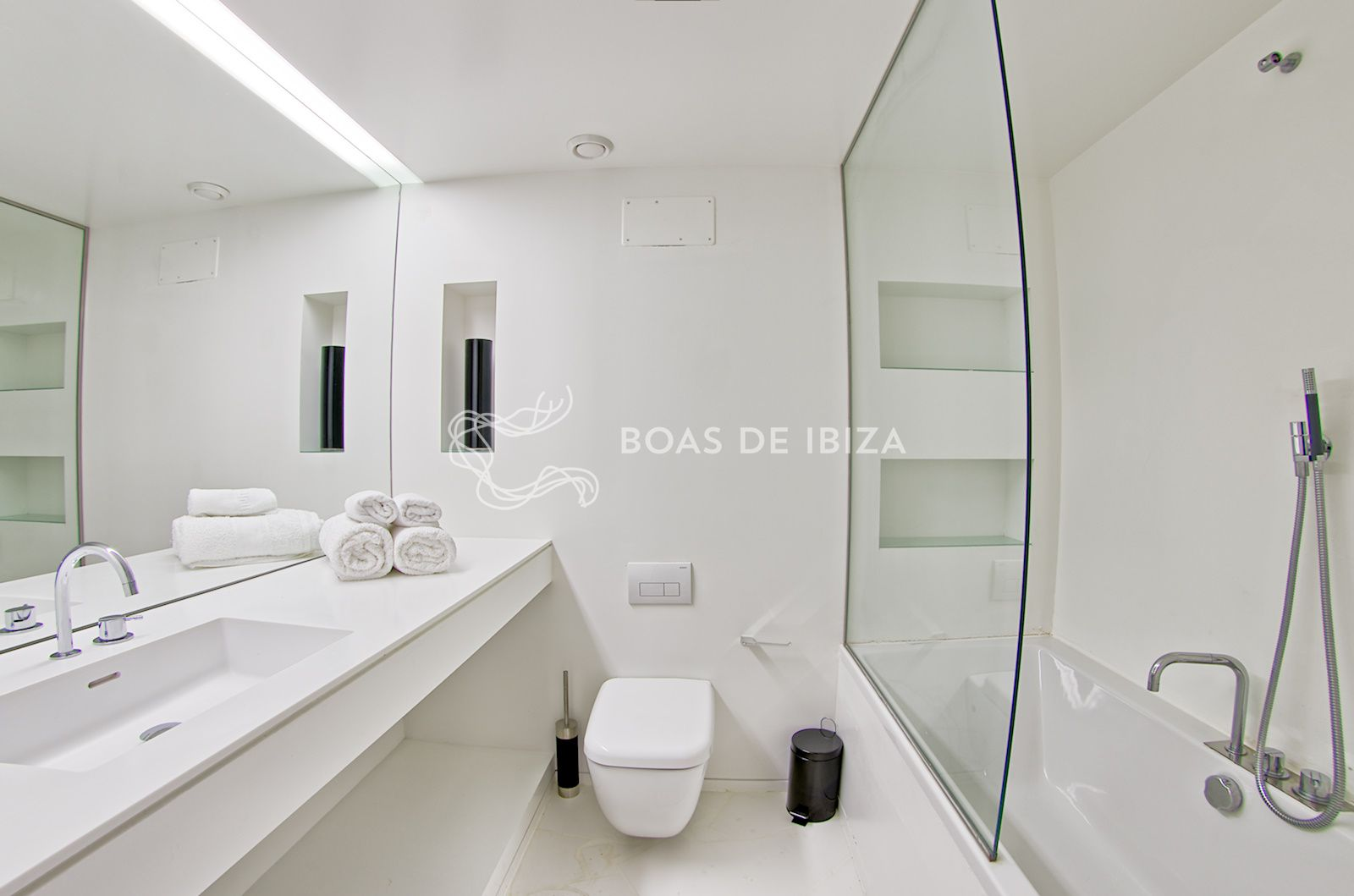 Boas_JPG-1600x1059_16