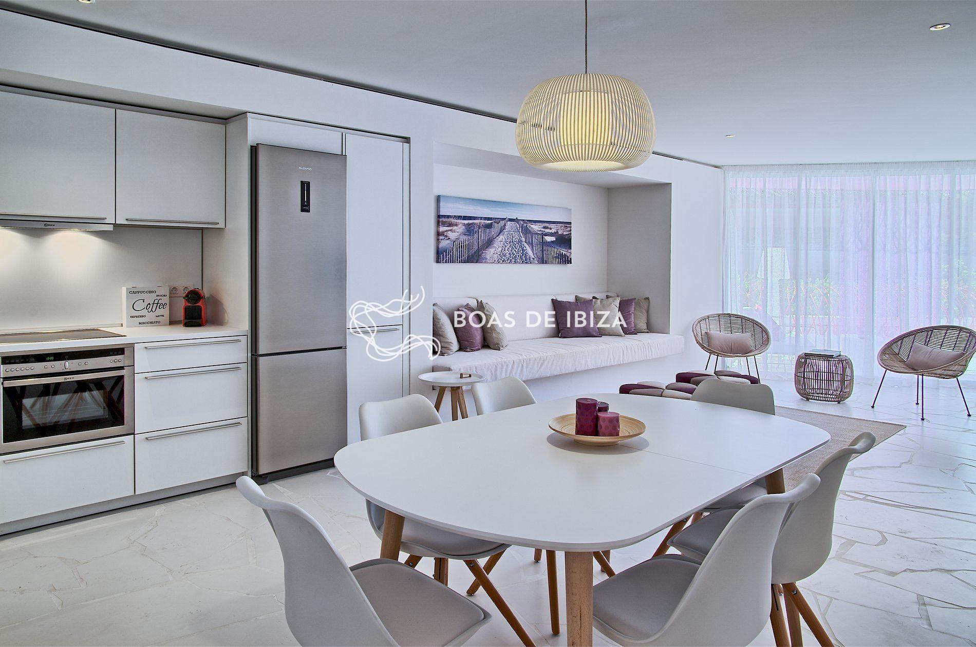 Apartment portulaca boas de ibiza for Cocina 13 metros cuadrados